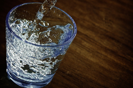薬は水で飲もう (2)