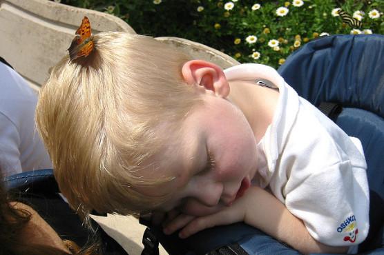 子供が夜すぐに寝る方法 (1)