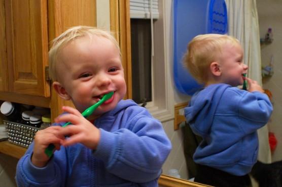 子どもの歯磨き (2)