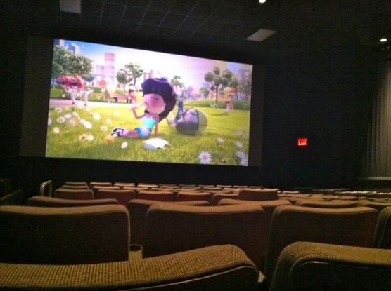 子供連れで映画館 (2)