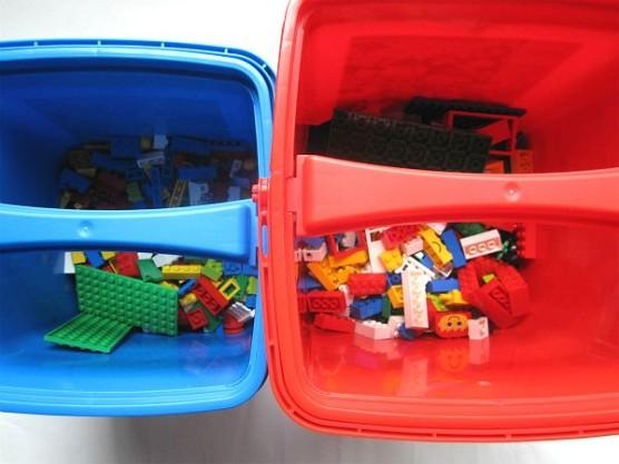 レゴ_赤いバケツと青いバケツの比較 (1)