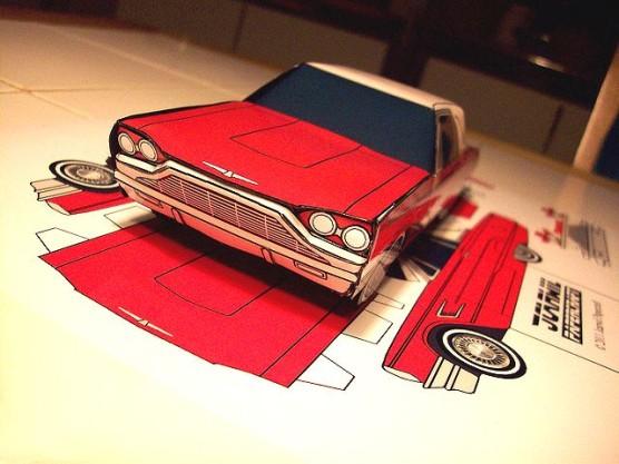 ペーパークラフトの車