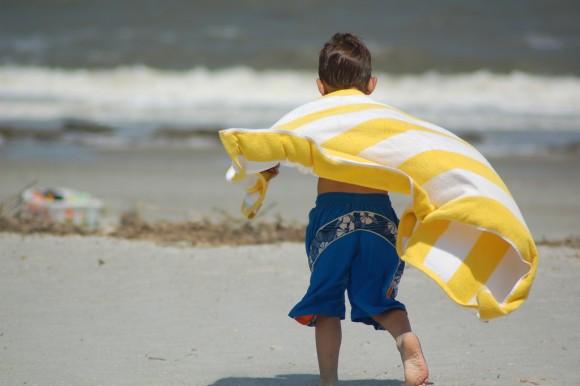 男の子のヒーローごっこを親はやめさせるべきか (2)