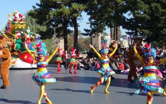 ディズニーランドのパレード (2)