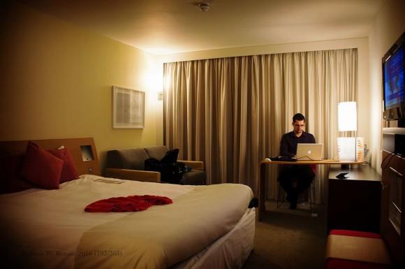 ビジネスホテルは当日午後のキャンセル分を狙おう