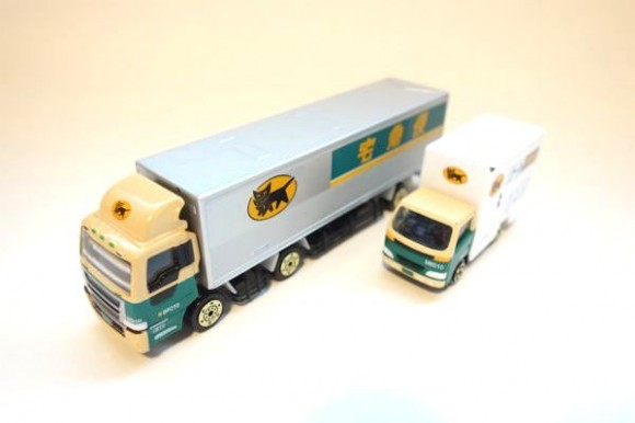 クロネコポイントでもらえるミニカー_10トントラック (5)