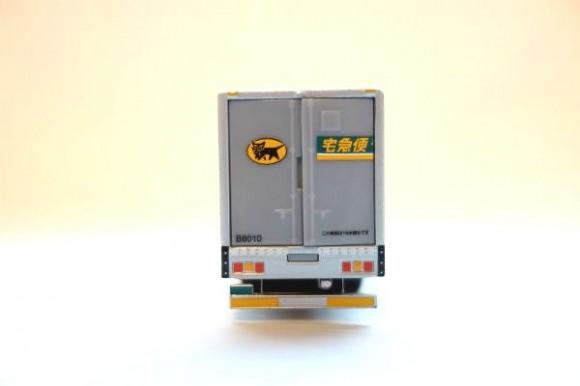 クロネコポイントでもらえるミニカー_10トントラック (2)