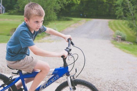 子どもの自転車は親の前と後ろどちらを走ったらいいのか (4)