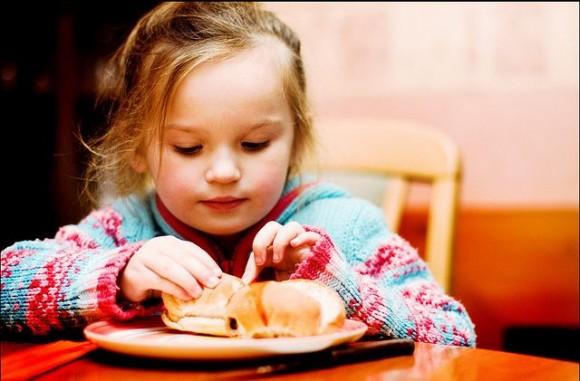 子どもがご飯を食べない場合の対処法 (2)