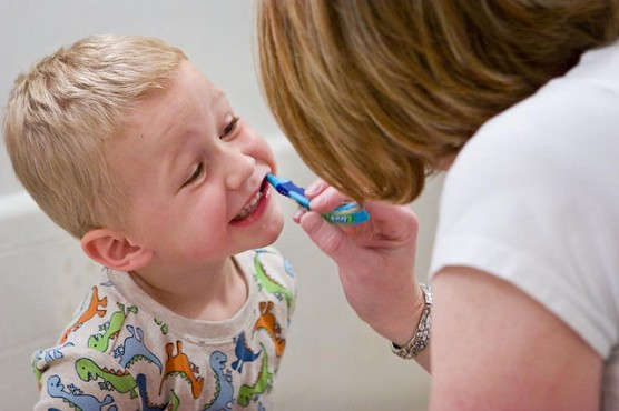 子どもの歯磨き (1)