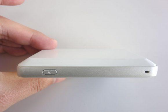 ワイマックスルーターWX03のバッテリー新品交換