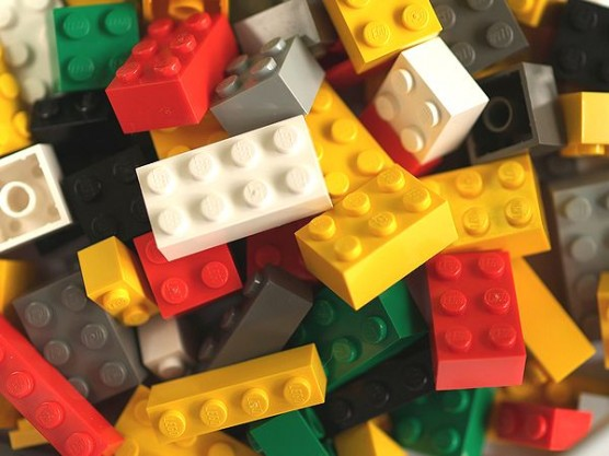 レゴブロックがセール