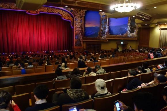 東京ディズニーシーのショー「ビッグバンドビート」の会場ブロードウェイミュージックシアター (4)