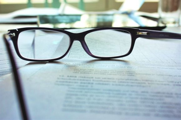 メガネのレンズ交換をネットで完了するなられんず屋がおすすめ