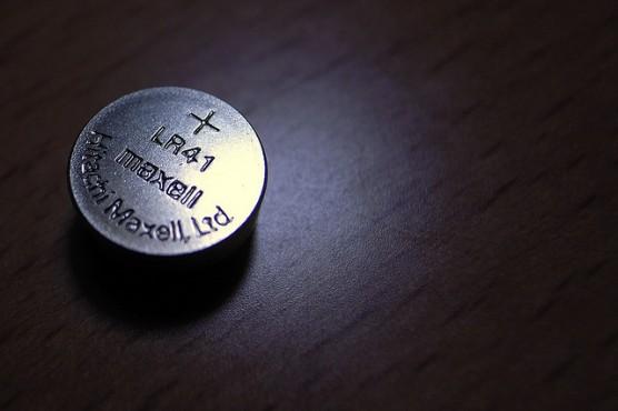 ボタン電池の誤飲は危険 (3)
