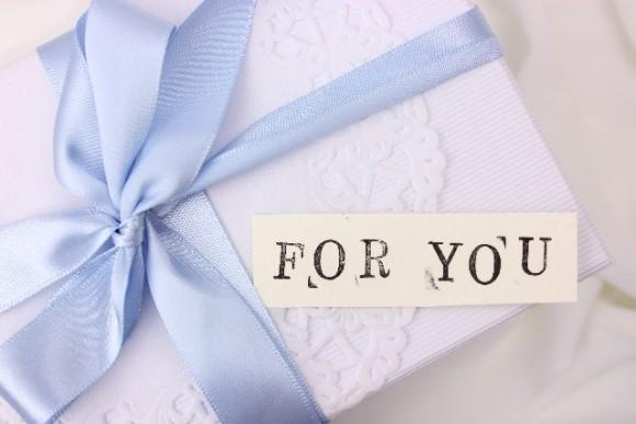 結婚記念日のプレゼント (2)