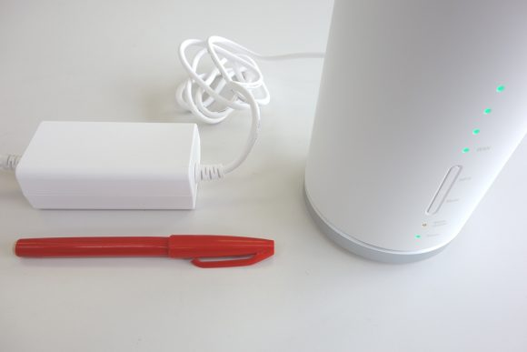 Speed Wi-Fi HOME L01のACアダプター